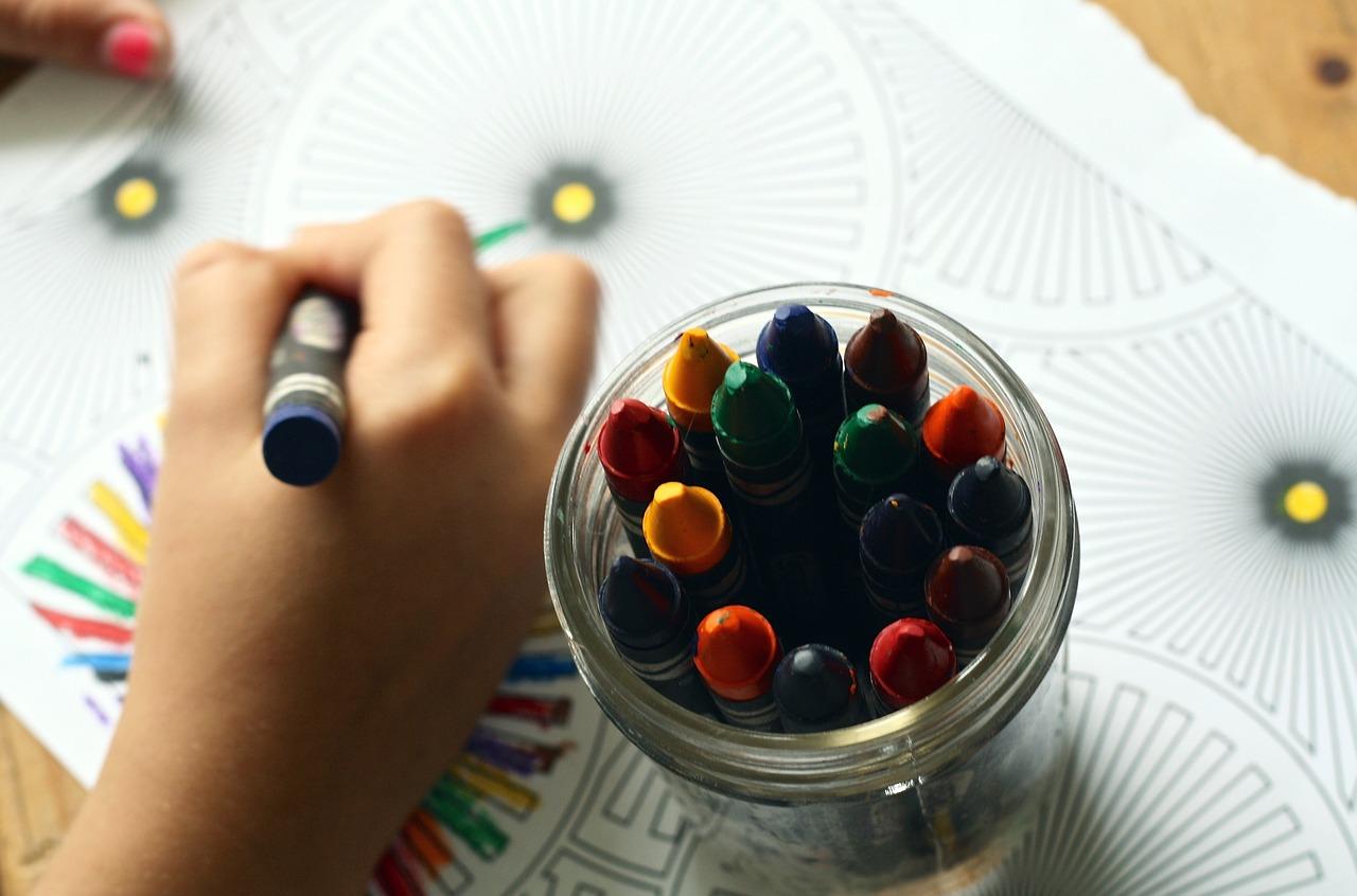 Copia di crayons-1445053_1280